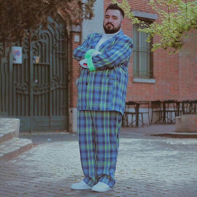 Riccardo Onorato è un fashion blogger uomo plus-size di Roma