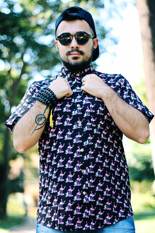 fashion blogger uomo, fashion blogger roma, guy overboard, men fashion, men outfit, fashion blogger outfit, night candy, handsome me, flamingo shirt, camicia fenicotteri, california, los angeles, cutted shorts, shorts tagliati, pantaloncini jeans, pantaloncini denim, nike air force 1 hyperfuse