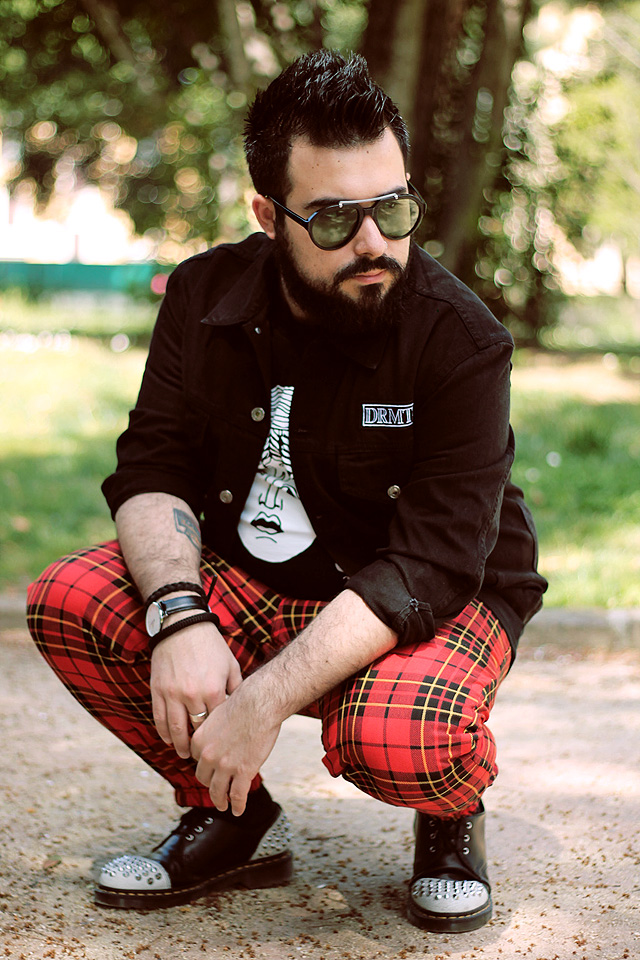 outfit, fashion blogger uomo, denim jacket, black denim, drmtm, pray for paris, black medusa, dr martens, baxter