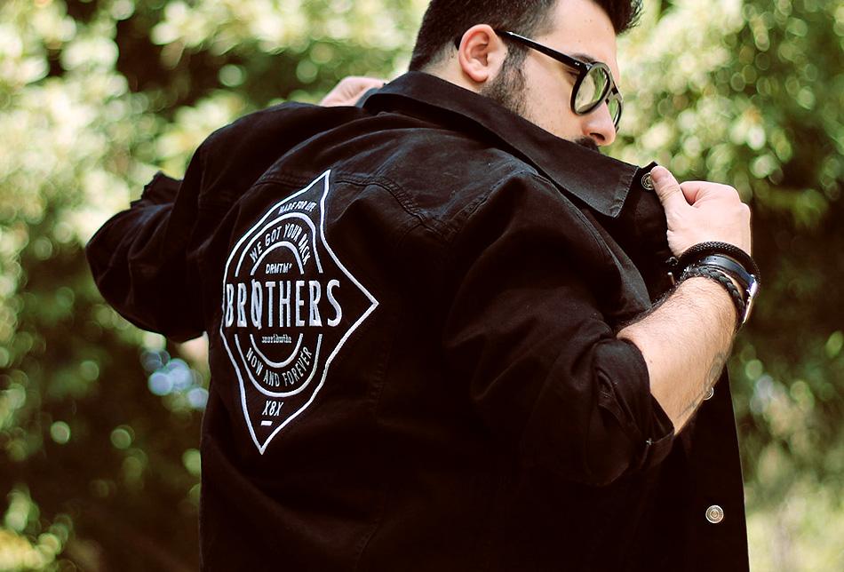 outfit, fashion blogger uomo, denim jacket, black denim, drmtm, pray for paris, black medusa, dr martens, baxter