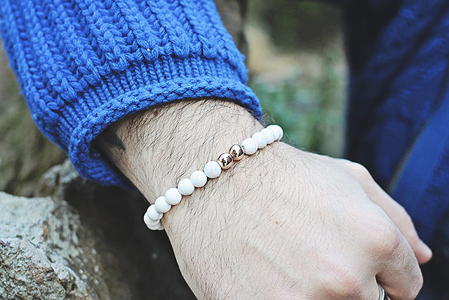 guy overboard, fashion blogger, chandrah, bracelet, beaded bracelet, beads, indian bracelet, white bracelet