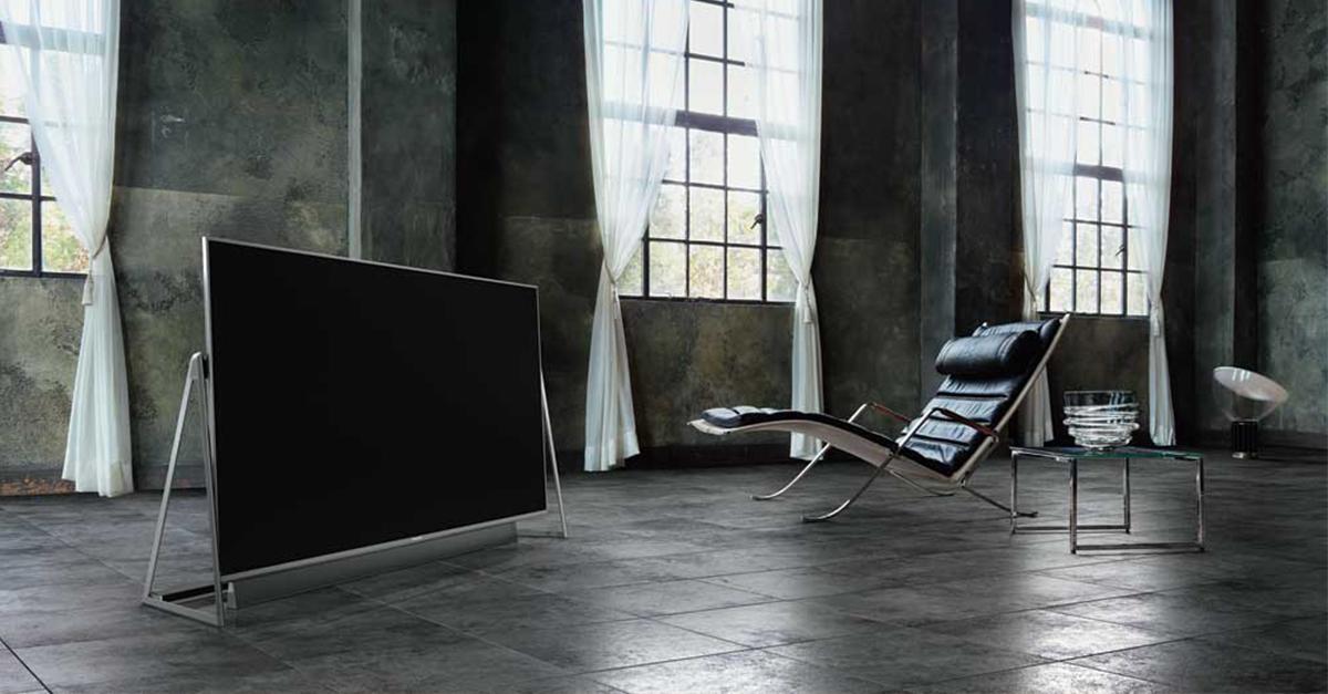 Panasonic implementa le tecnologie più innovative nel nuovo televisore DX800, un modello high-end che unisce estetica e prestazioni.