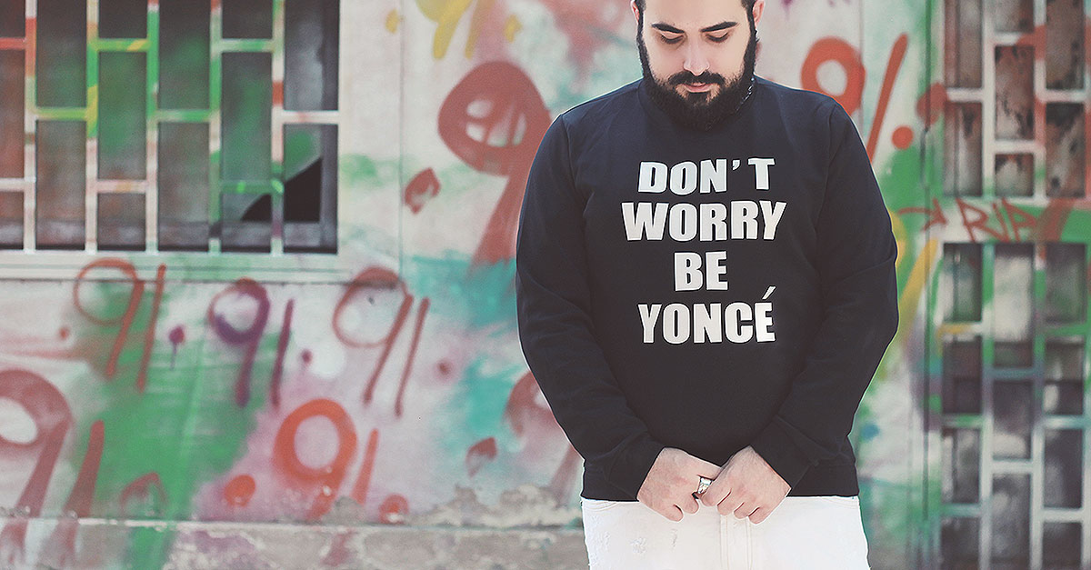 The Newchic sweatshirt Don't Worry Be Yoncé is a tribute to one of the strongest women in pop music, for those who cannot give up their courageous spirit