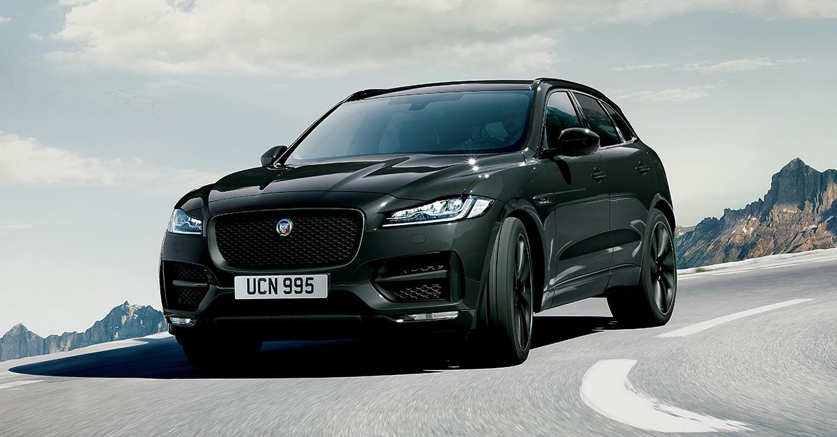 Jaguar F-Pace Dark Edition è un'edizione speciale con motore 2.0 Diesel con trazione integrale, cambio automatico, vernice Ebony Black e tetto panoramico