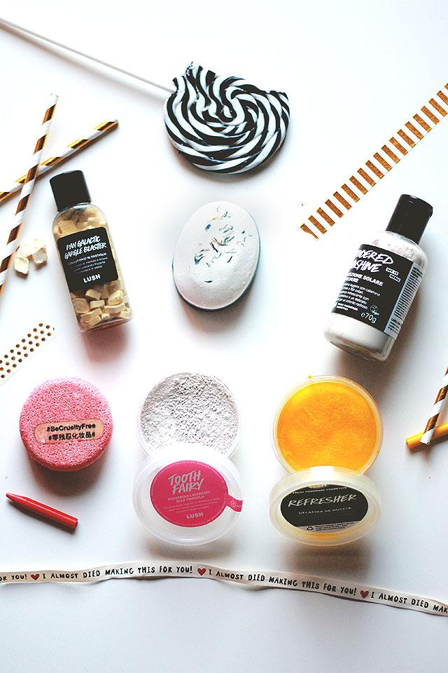 prodotti lush, estate in viaggio comodi, cosmetici valigia