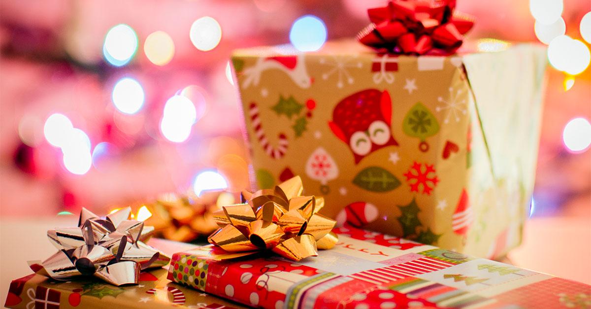 Il regalo perfetto di Natale oggi è un regalo elettronico. Ecco qualche suggerimento di idee regalo tecnologiche per lui e per lei, in base a gusti e hobby.