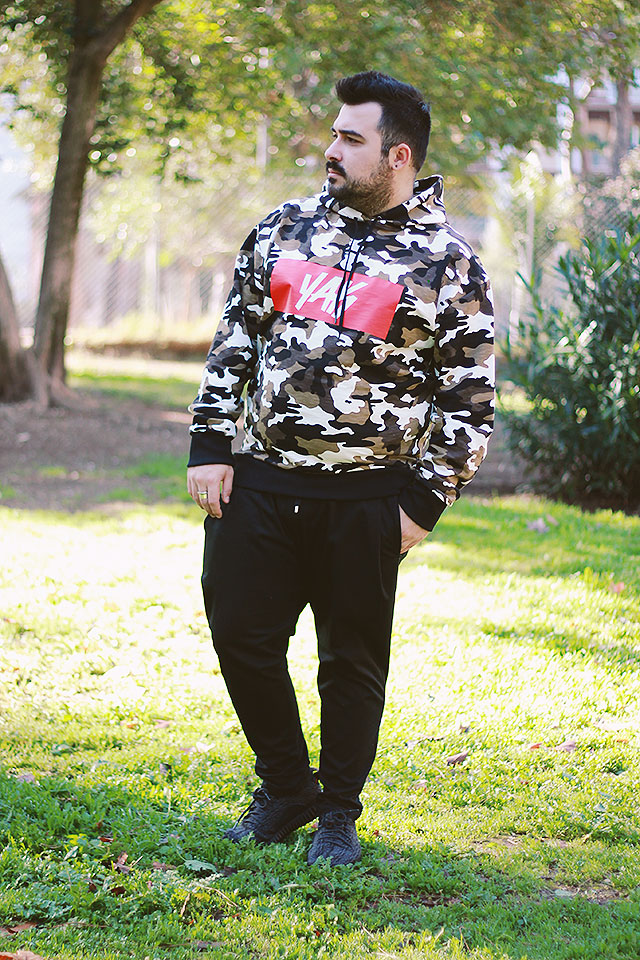 How to use a hoodie for an urban streetwear men outfit • Guy ... 701202a55863
