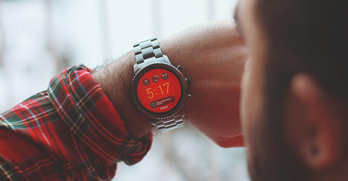 Fossil Q Smartwatch è un orologio high-end con un sacco di funzioni e un bellissimo schermo realizzato da un brand familiare nel mondo degli orologi sin dai suoi esordi nel 1984