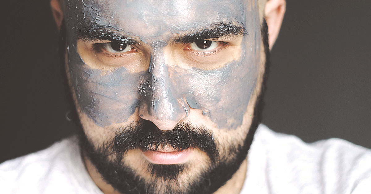 The Deep Black Mask by NIYO & CO. is a face mask for men that helps to detoxify and exfoliate the skin, to purify from toxins and impurities thanks to the formula based on coal