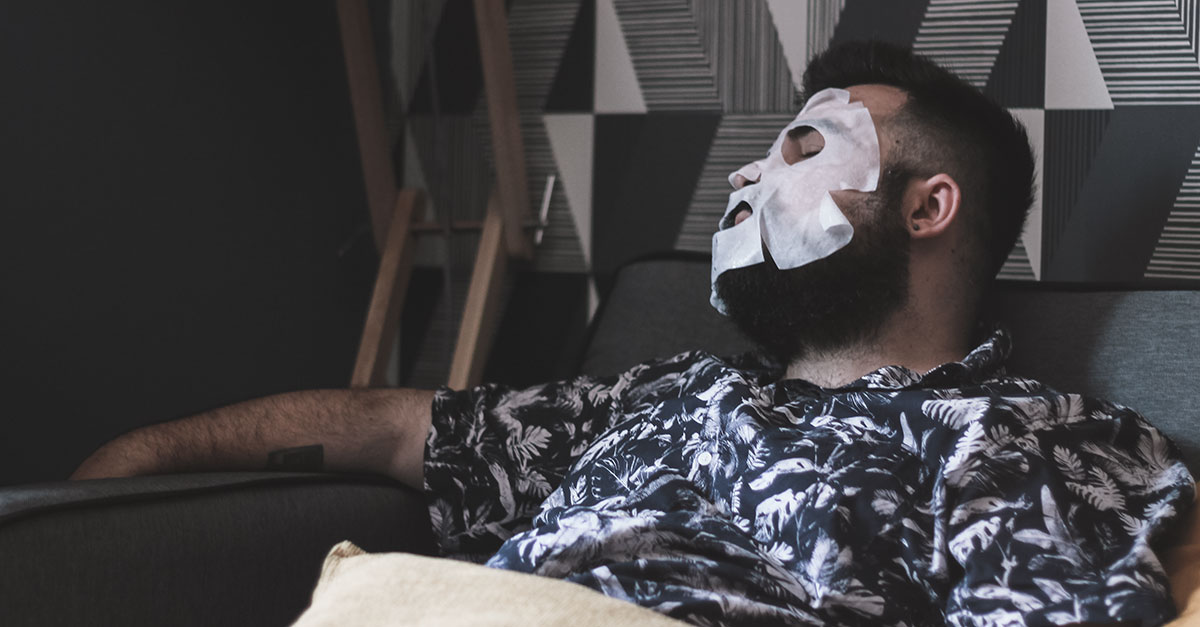 Thanks to Qaveman's Hangover Face Mask you will relax for 15 minutes, reflecting on the evening just passed and making you promise never to drink again