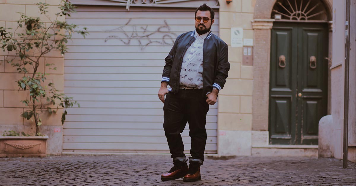 Find out which are the best items to combine creating a business casual outfit perfect for plus size men