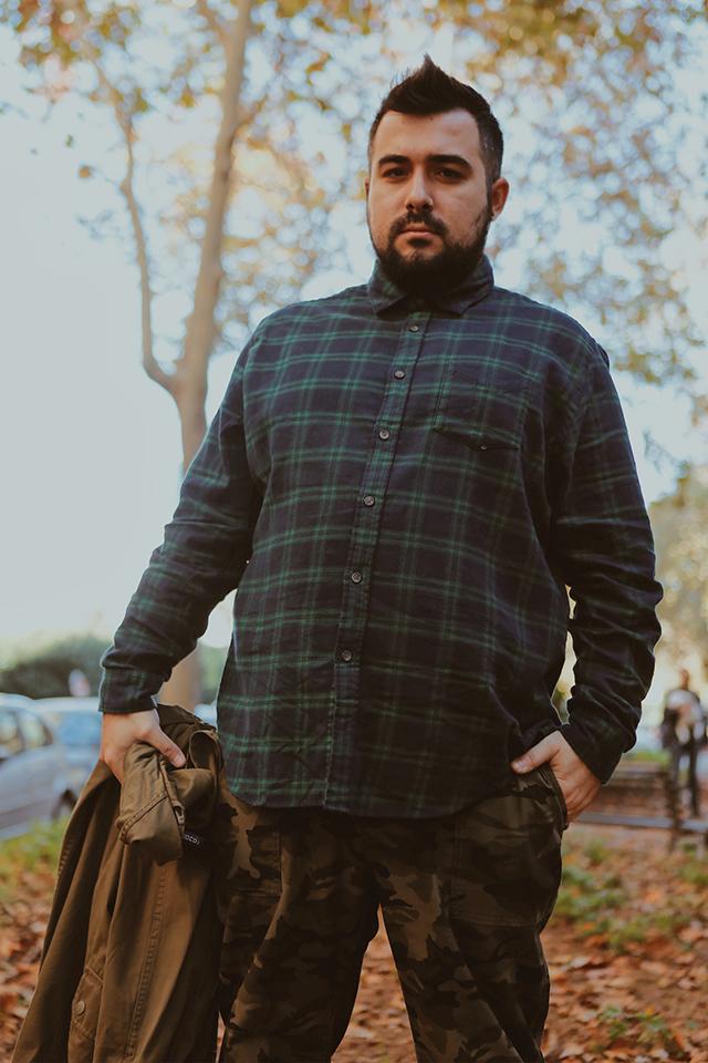abiti taglie comode uomo, plus size outfit, camouflage pants, amazon, meraki