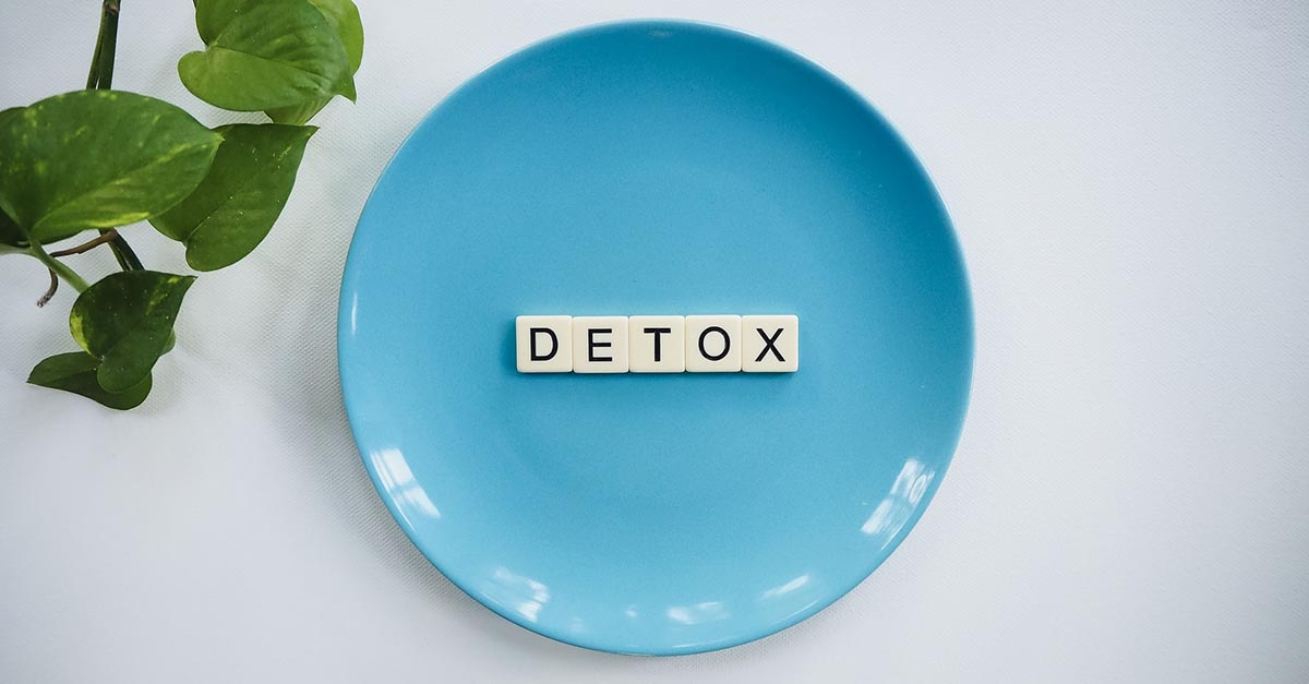 Detox is nothing more than an alternative way to say diet, using our guilt feelings to say that food holidays is toxic (but it is not)