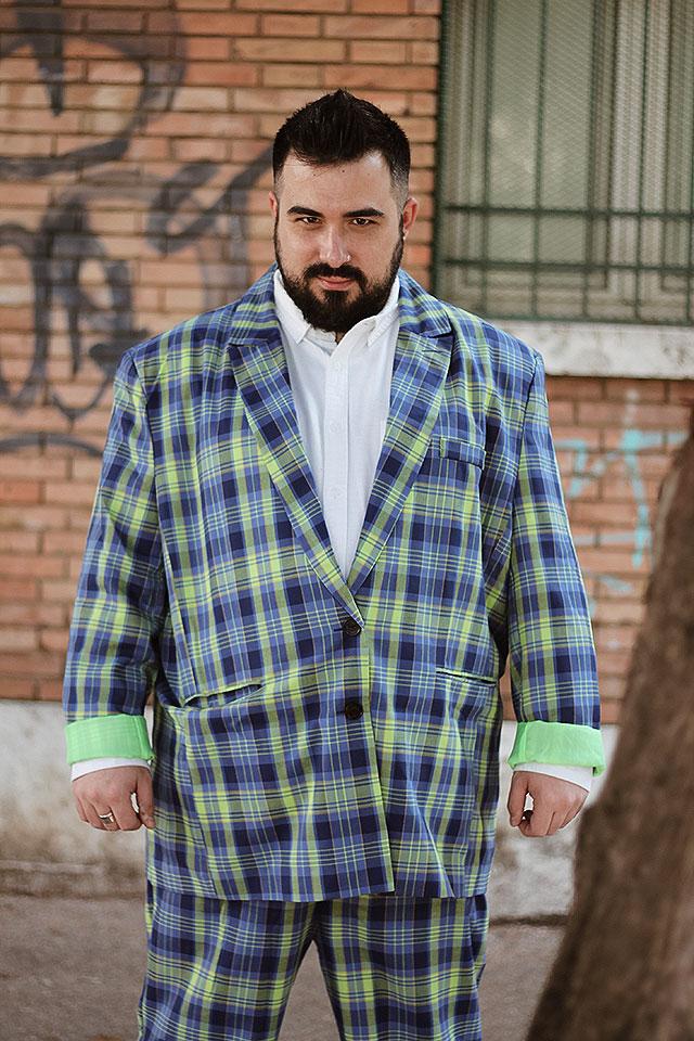 abito da uomo taglie comode, motivo a quadri, plus size fashion, checked suit