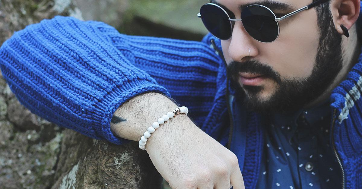 guy overboard, fashion blogger, chandrah, bracelet, beaded bracelet, beads, indian bracelet, white bracelet