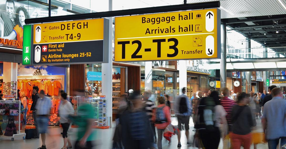 Amsterdam è il luogo per un layover da favola: per non appesantire la valigia con i vostri acquisti Packlink organizza la loro spedizione ai prezzi migliori
