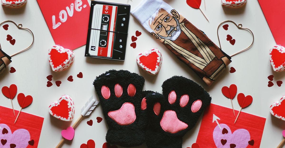 regali divertenti di san valentino 2018, funny valentine gift, calzini star wars, guanti zampa