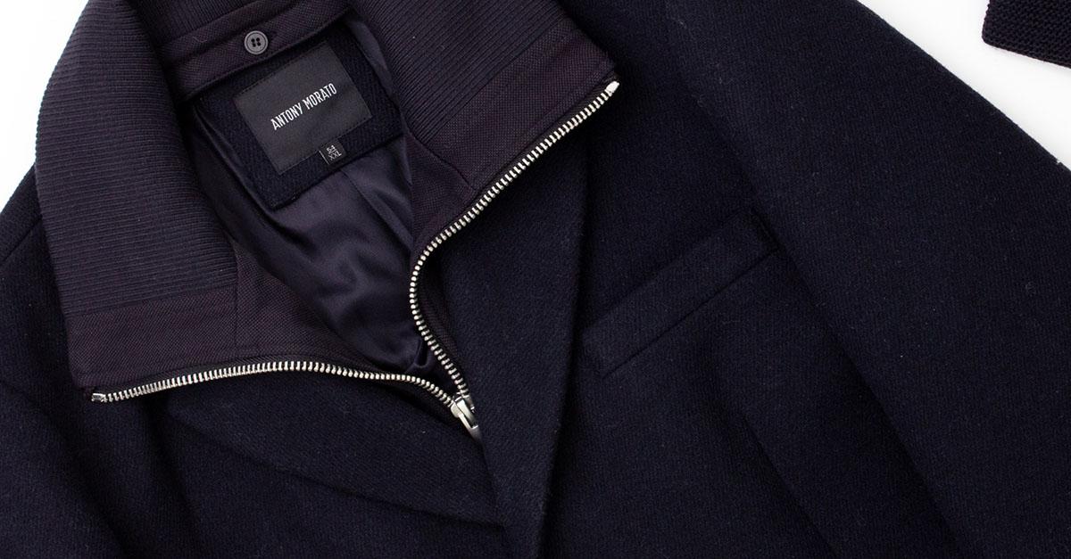 Indeciso tra un parka ed un cappotto lungo? Ecco come abbinare un cappotto da uomo sia per un outfit casual-chic che per un look underground