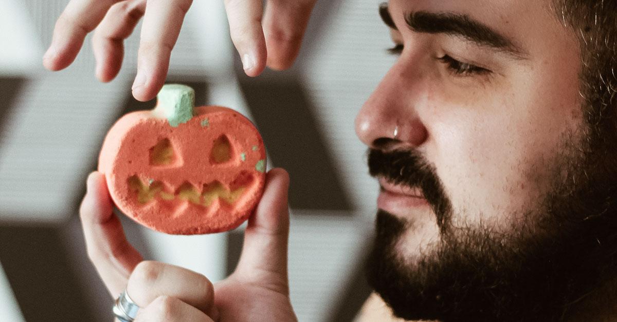 Lush presenta la nuova collezione di Halloween 2020 con prodotti in edizione limitata 100% vegani con ingredienti naturali e olii essenziali