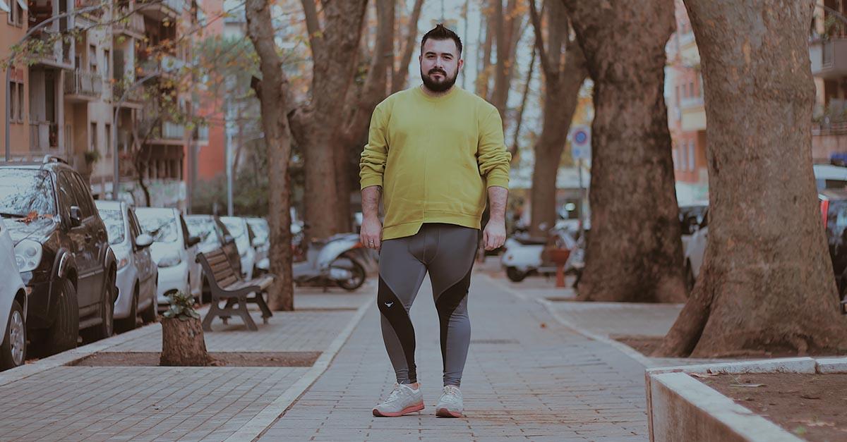 Combattere il tabù dei meggins, leggins per uomo, con Matador Meggings: un indumento aderente in spandex non ti renderà meno uomo